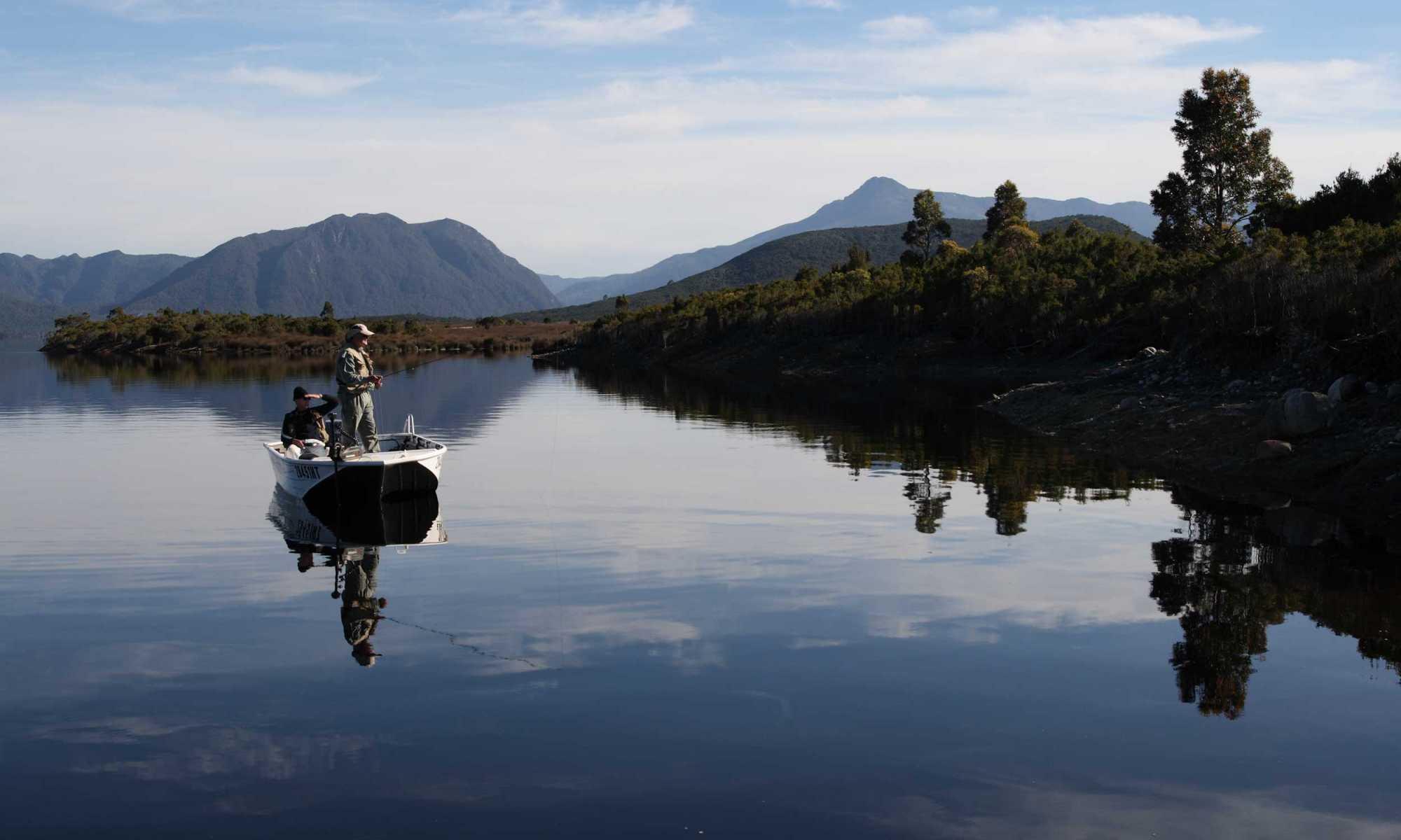 Fly fishing trips rainbow lodge tasmania for Fly fishing trips