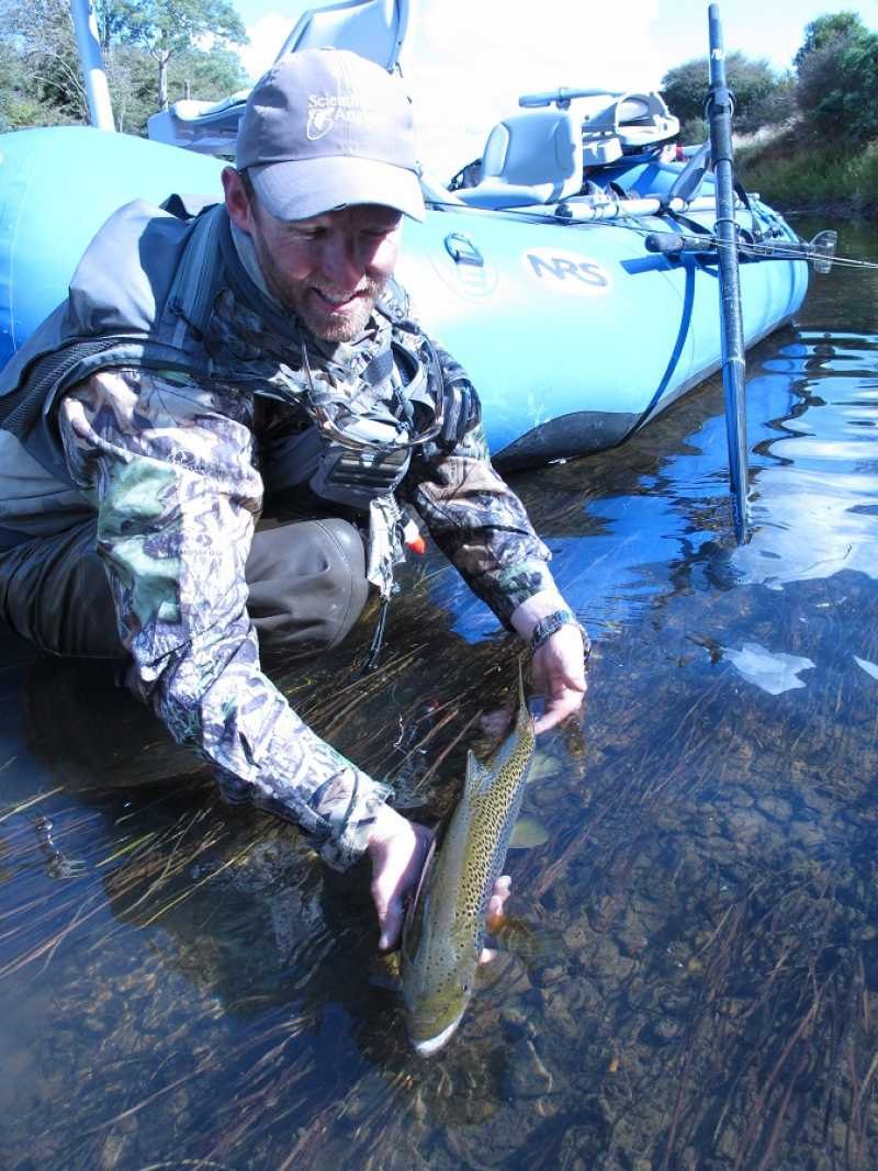 Rainbow lodge raft fly fishing trips rainbow lodge tasmania for Fly fishing vacation packages