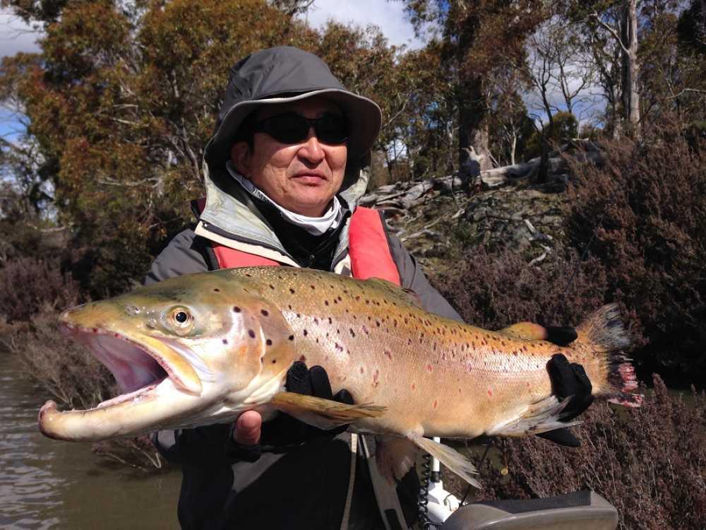 Lake Crescent - Rainbow Lodge Tasmania