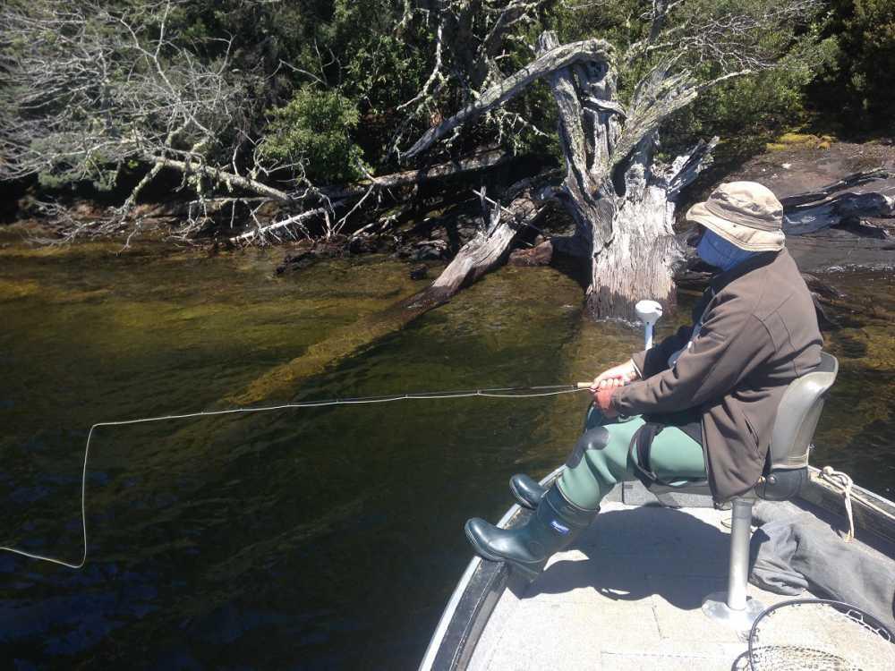 Lake st clair rainbow lodge tasmania for Lake st clair ice fishing